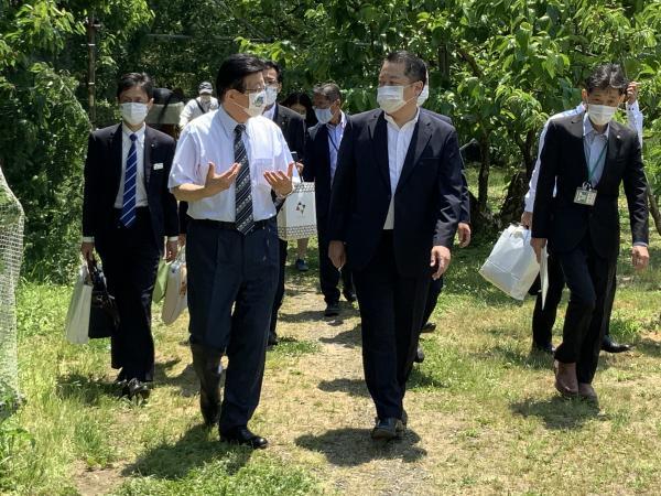 県 知事 静岡 川勝